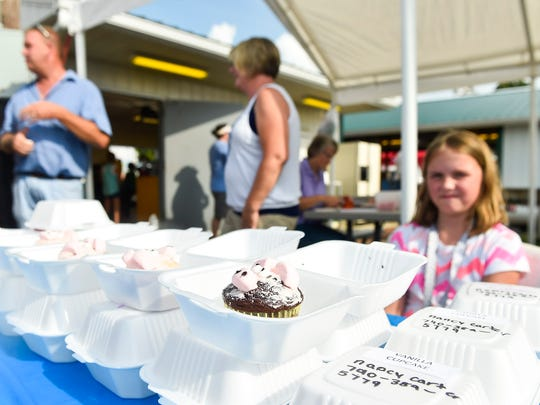 Visitors to the Marion County Fair last Thursday had the chance to purchase tasty treats for a good cause, as 4-H swine exhibitors hosted a bake sale to support the Marion County Pork Producers swine barn fund.