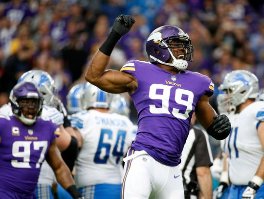 Vikings defensive end Danielle Hunter celebrates after