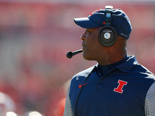 Illinois has struggled in Lovie Smith's first season