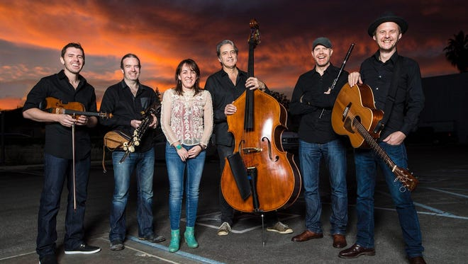Irish acts Karan Casey and Lúnasa return to Ithaca to perform a holiday concert that will benefit the Lodi Food Pantry. The concert will be 7 p.m. Wednesday at the Community School of Music and Arts.