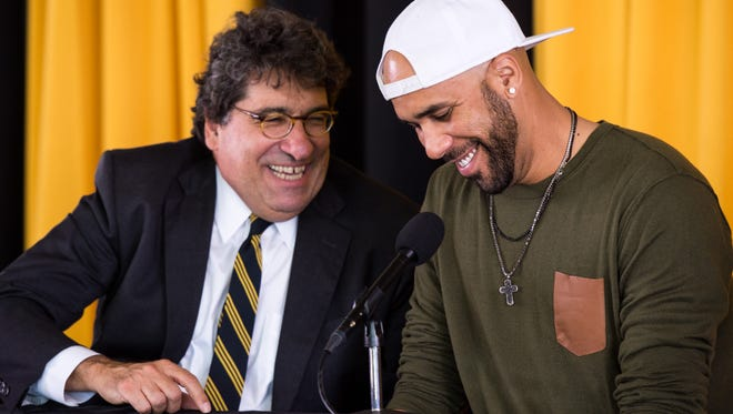 David Price, right, speaks with Chancellor Nicholas S. Zeppos while announcing his donation during a press conference at Vanderbilt University, Friday, Nov. 18, 2016, in Nashville, Tenn.