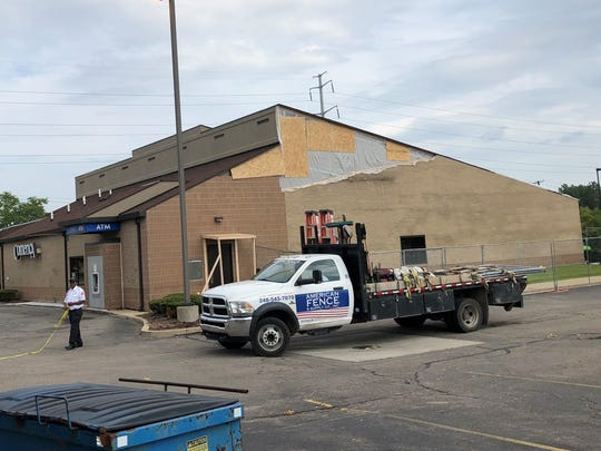 Work being done on a Comerica Bank branch at Southland