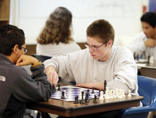 636112941310978389-Chess202884.jpg