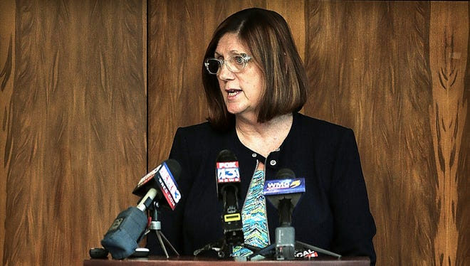 Director of Health Alisa Haushalter encourages patients of a Memphis dentist clinic to get tested for hepatitis B and C and HIV as a precaution during a press conference. Earlier this month, the Shelby County Health Department closed SPT Dental Clinic because of unsanitary conditions.
