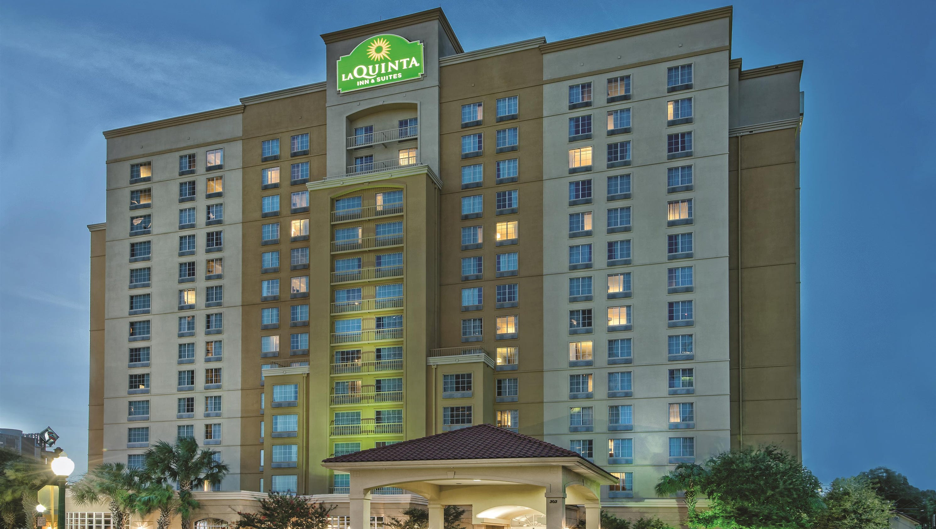 The top 20 most popular hotels in san antonio according for Top 20 hotels