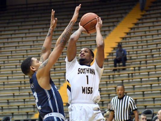 636537209812551620-Old-Dom-vs-USM-Basketball-11.jpg