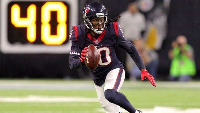 After playing in 79 consecutive NFL games, former Clemson receiver Deandre Hopkins has been sidelined by an injury.