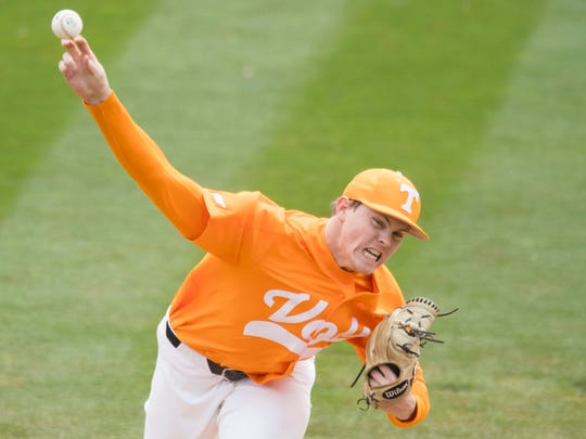 Tennessee's Zach Linginfelter is brought in during the 7th inning against Florida at Lindsey Nelson Stadium on Sunday, April 8, 2018.