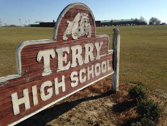 635592481333055838-Terry-High