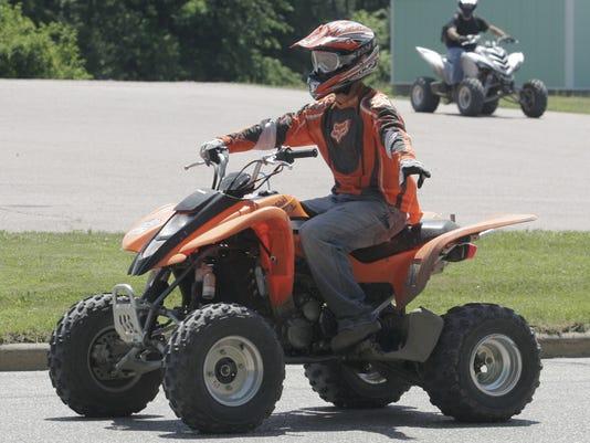 MNH 0703 Clark ATV