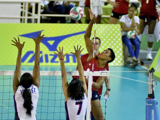 Former Menomonee Falls standout Simone Lee goes for an attack against the Dominican Republic in the championship of the Pan Am Cup Saturday