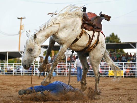 SNLBrd_07-06-2015_NewsLeader_1_A001--2015-07-05-IMG_Hernandez_rodeo_16_1_1_E