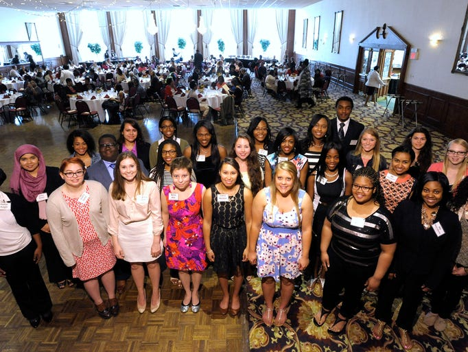 The 2015 Rosa Parks Scholars gather for a group photo