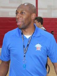 Farmington boys basketball head coach Terrance Porter