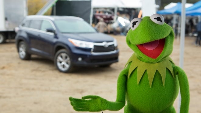 Kermit the Frog and the all-new 2014 Highlander on the set of Toyotaâ??s new commercial to air during the Super Bowl on Feb. 2.