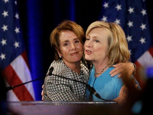 AP HILLARY CLINTON DEMOCRATIC FUNDRAISER A ELN USA CA