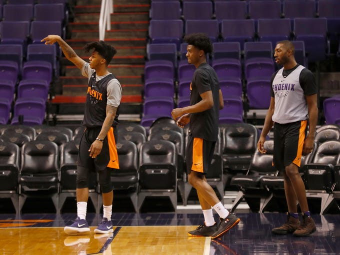Suns' Elfrid Payton practices with his new teammates