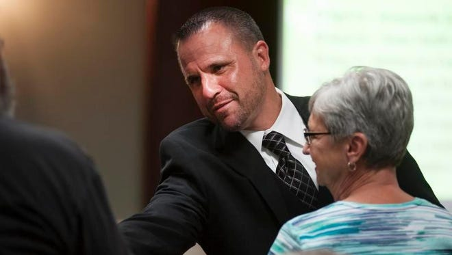 Simpsonville Police Chief Keith Grounsell wants a long-term contract after his 30-day suspension ends May 2.
