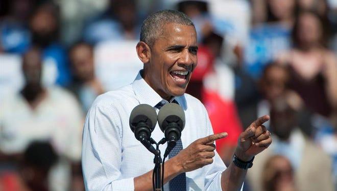 El presidente de los Estados Unidos, Barack Obama, habla durante un evento de campaña en apoyo de la candidata demócrata, Hillary Clinton, en Filadelfia, Pensilvania (EE.UU.).