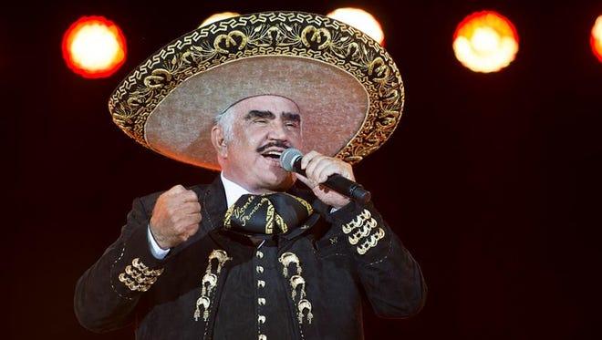El popular cantante mexicano Vicente Fernández ha dado su apoyo oficialmente a la aspirante demócrata a la Casa Blanca Hillary Clinton componiendo expresamente para ella un corrido, difundido hoy por las plataformas digitales.