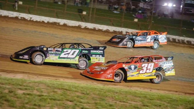 Tim McCreadie (39) ) and Jimmy Owens (20) will be on the front row of Sunday's Show-Me 100.