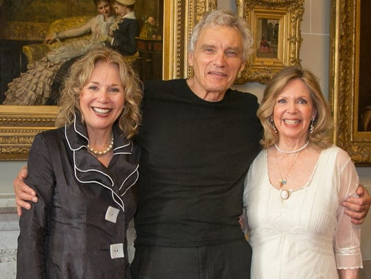 Kathryn Leigh Scott, David Selby and Lara Parker in