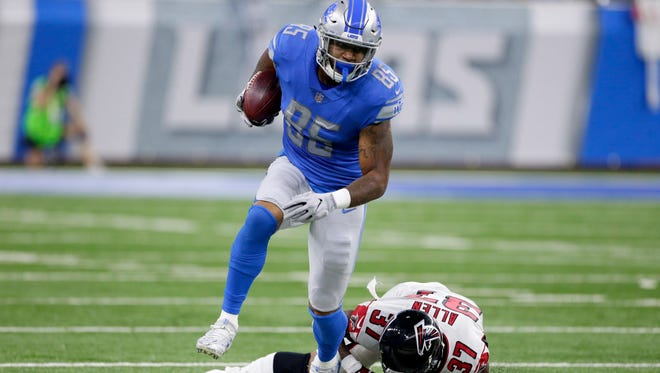 Tight end Eric Ebron (85) dropped two passes in the Lions' 30-26 loss to the Falcons.