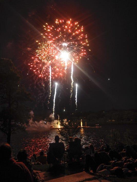 IMG_STC_0704_Fireworks_1_1_1_J37S959M.jpg_20140705.jpg