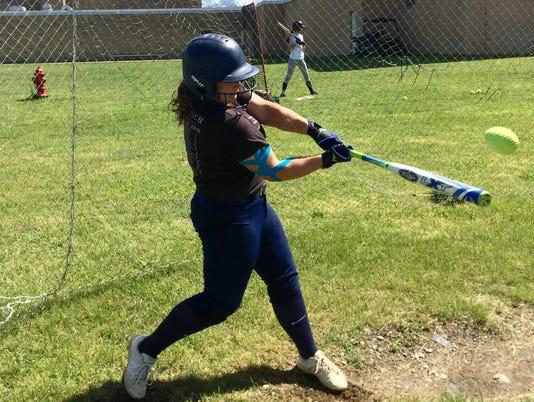 Meg-Murray-batting-practice.jpg