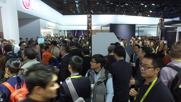 Massive crowds at the LG booth in the Central Hall