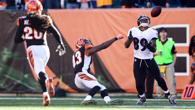Baltimore Ravens wide receiver Steve Smith (89) catches a touchdown pass that was later called back due to offensive pass interference against Bengals safety George Iloka (43).