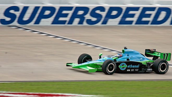 IndyCar Series practice at Nashville Superspeedway in 2008