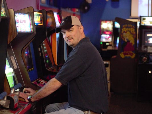 Ken Kalada-on-Arkanoid.jpg