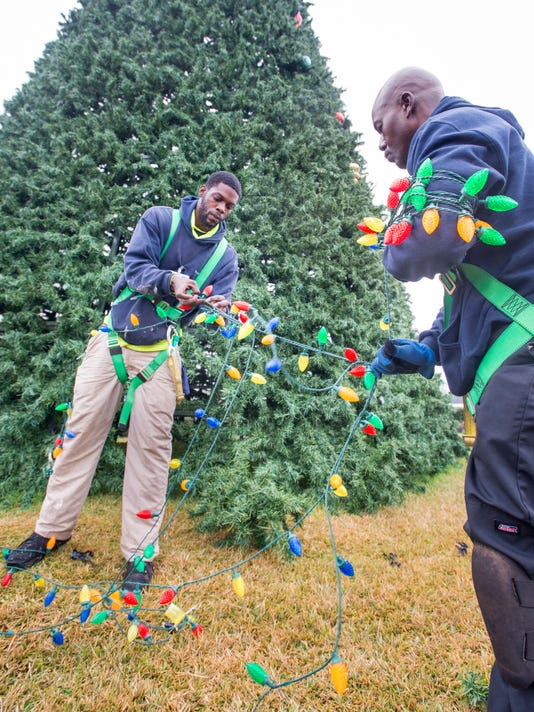 holiday undecoration - When To Take Down Christmas Lights