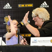 Kennesaw State coach uses Navy Seal, female military sniper to teach players life lessons