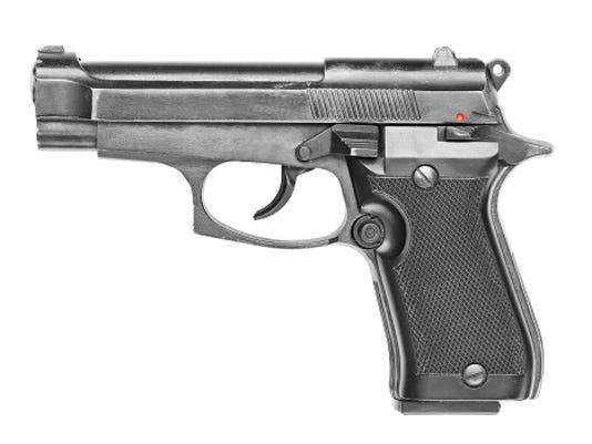 635877001622041309-Gun.jpg