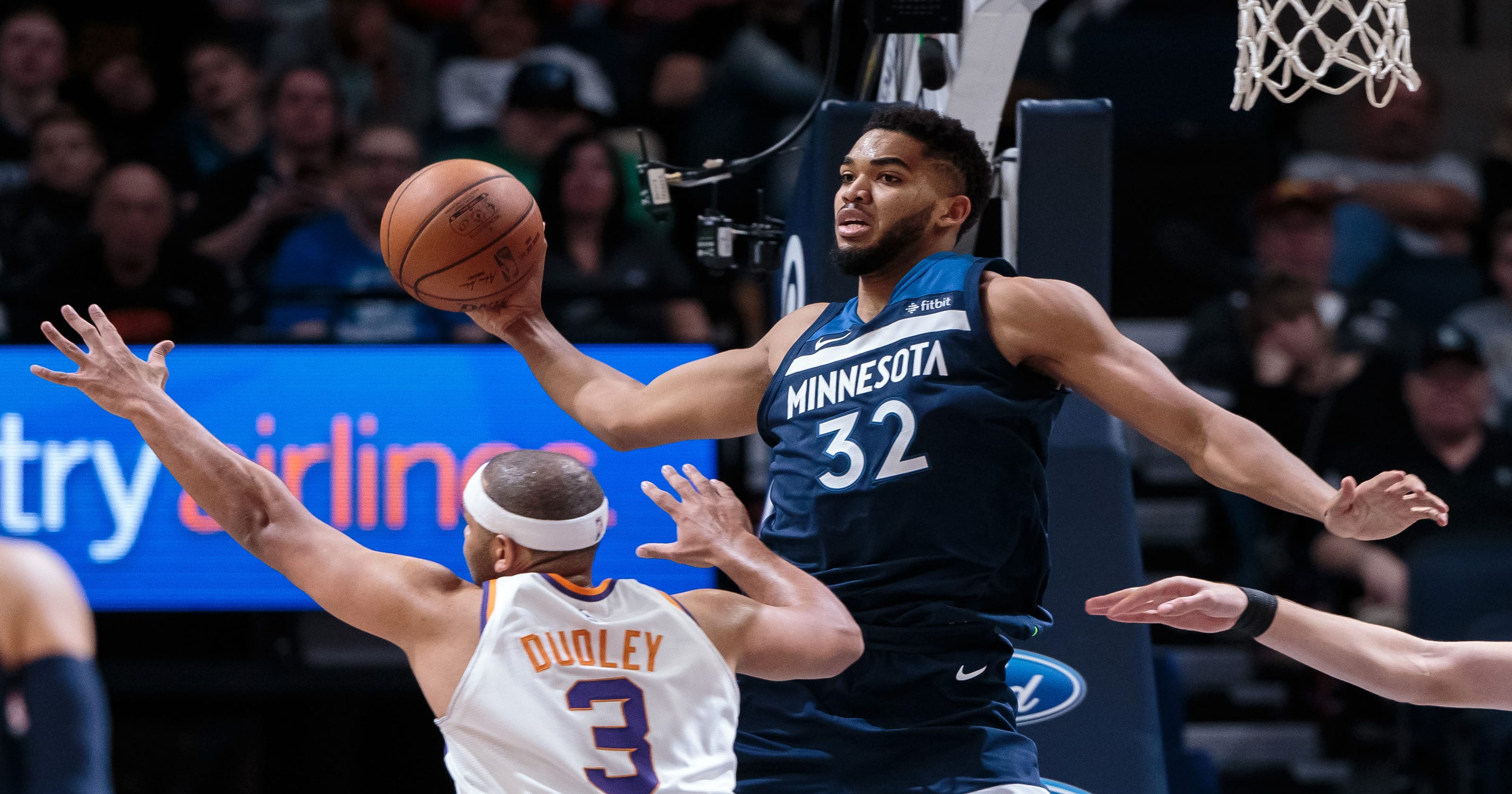 Karl-Anthony Towns scores 32 in Minnesota Timberwolves win over Phoenix Suns 0787098b4