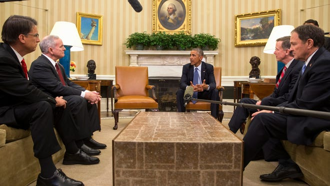 President Obama meets with the executive committee of the National Governors Association.