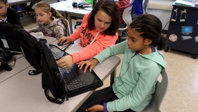 Ruetter School students participate an hour of code to celebrate Computer Science Education Week.