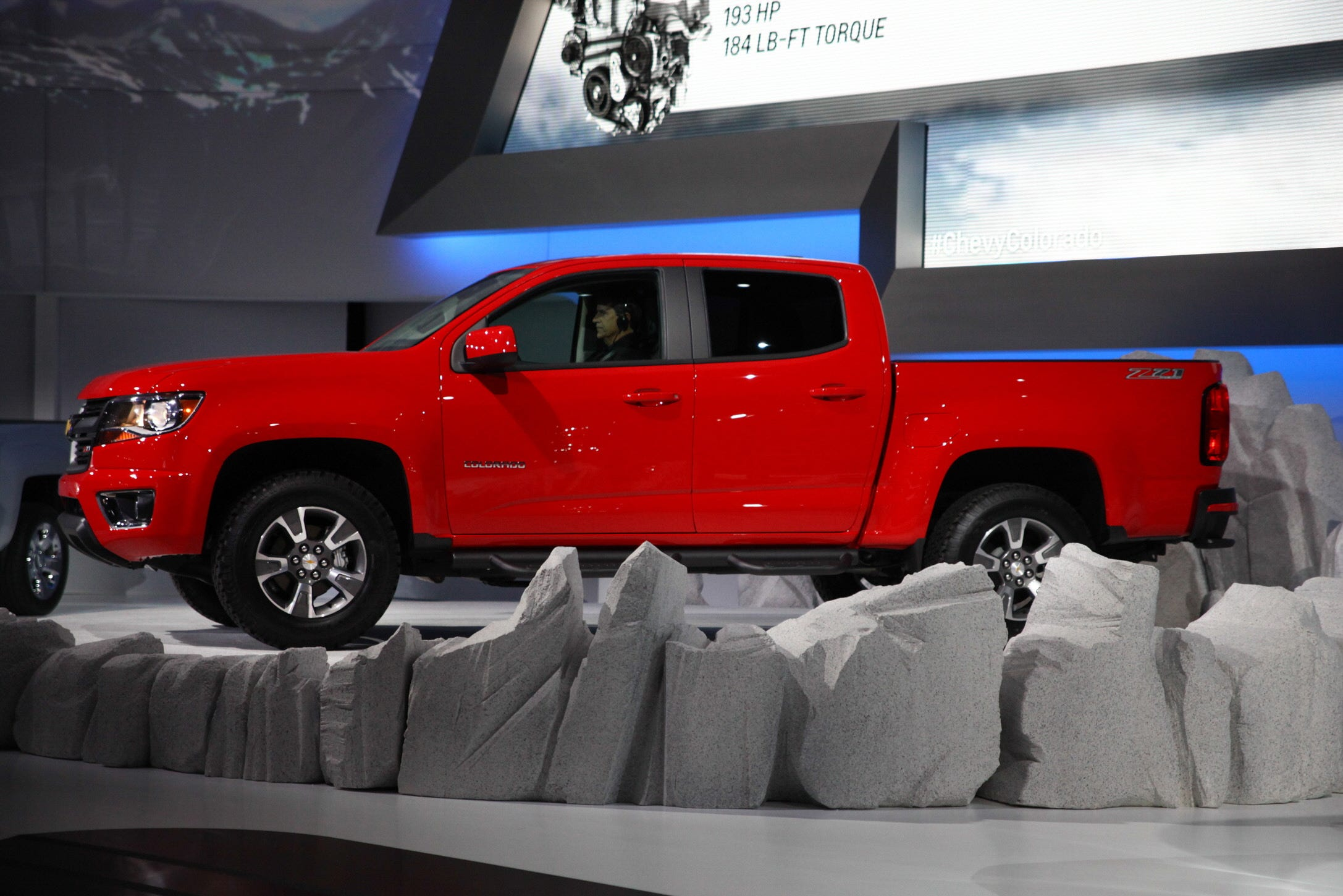 chevy colorado mid size truck with big plans risks the autos post. Black Bedroom Furniture Sets. Home Design Ideas