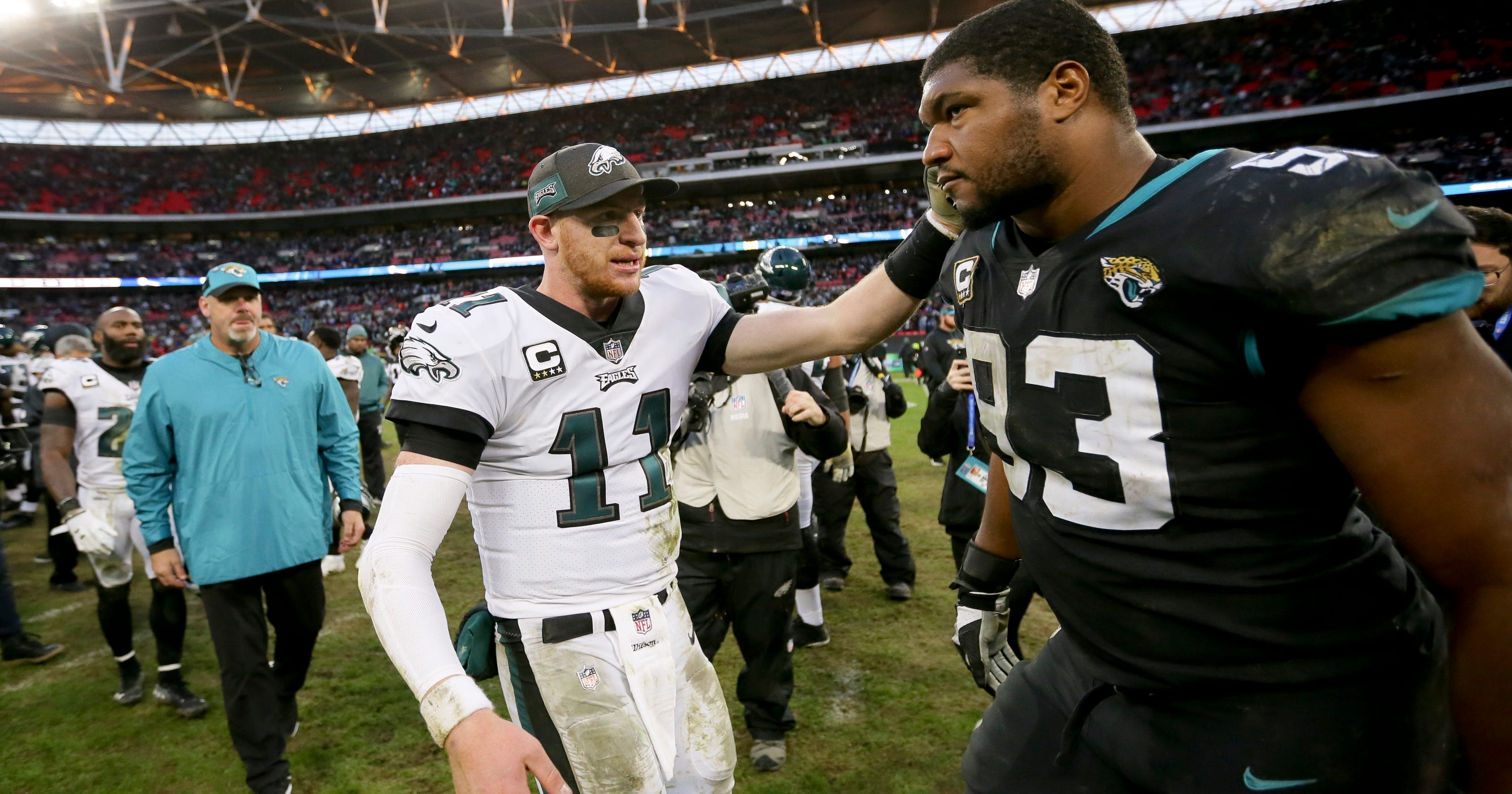 5d67fd733ae Wentz's 3 TD passes give Eagles win vs. Jags in London