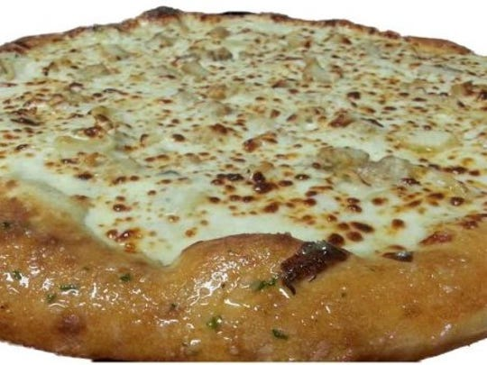 The Chicken Pazzetti Pizza from Pop n Pizza.