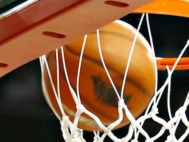 FAYETTEVILLE, AR - NOVEMBER 15:  Alandise Harris #2 of the Arkansas Razorbacks dunks the ball against the Louisiana Ragin' Cajuns at Bud Walton Arena on November 15, 2013 in Fayetteville, Arkansas.  (Photo by Wesley Hitt/Getty Images)