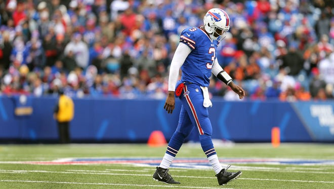 Quarterback EJ Manuel and the Bills  lost to the Bengals 34-21.  Manuel threw for 273 yards and a touchdown.