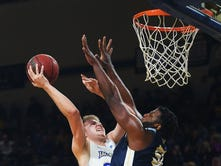 South Dakota State holds off Oral Roberts in battle of Summit League leaders