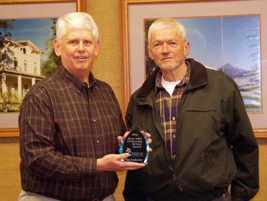 MNH 0414 Service award.jpg