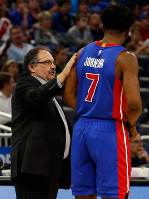 Apr 12, 2017; Orlando, FL, USA; Pistons head coach Stan Van Gundy talks with forward Stanley Johnson during the second half against the Magic at Amway Center.