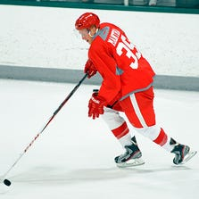 Detroit's Anthony Mantha, the 2013 first-round draft pick who scored 81 goals in 81 junior-league games last season, got his leg stuck in a rut during a prospects tournament game Saturday in Traverse City.