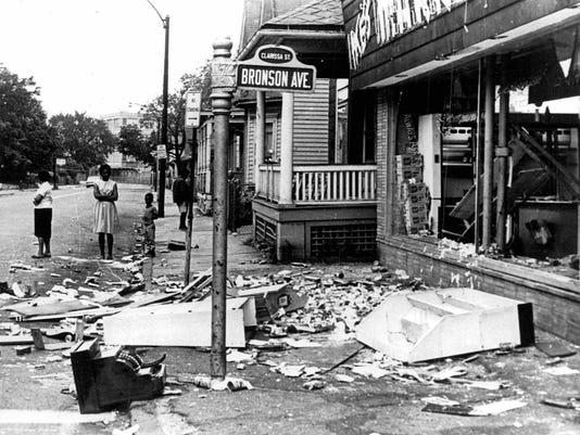 -Rochester Riots 10.jpg_20140807.jpg