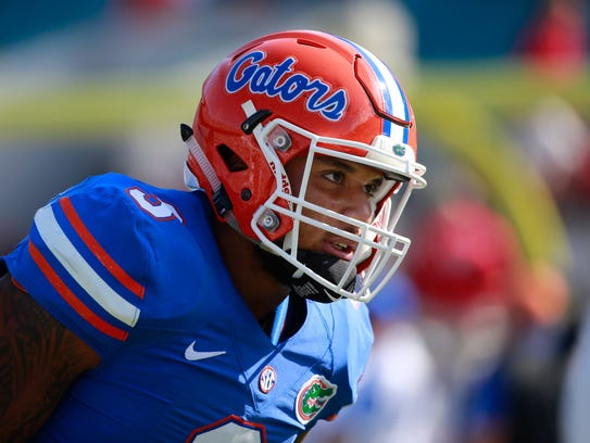 Florida Gators linebacker Antonio Morrison (3) works
